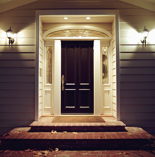 Welcoming residential entryway with overhead litghting